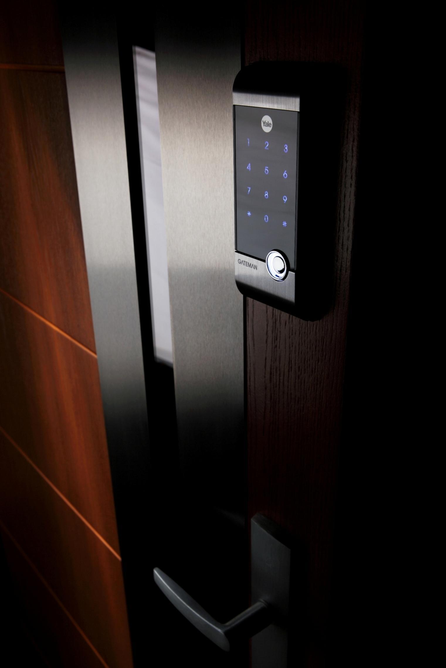 Drzwi drewniane – czy pasują do nowoczesnych budynków?