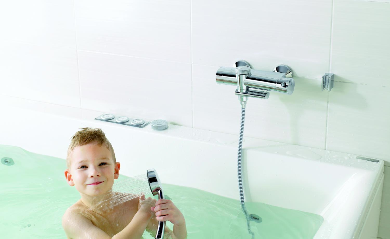 Oras Eterna – bateria, która sama napełnia wannę na kąpiel dla dziecka