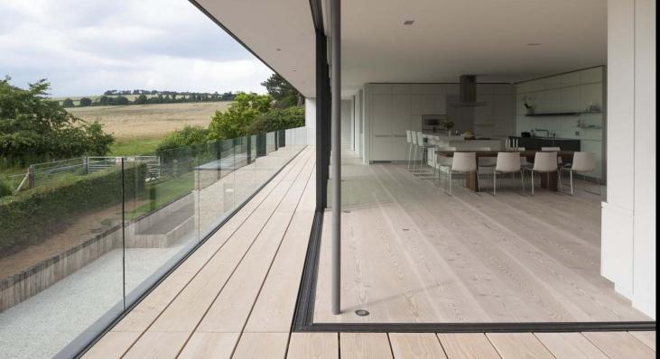 Hurst House - minimalistyczny dom na wsi