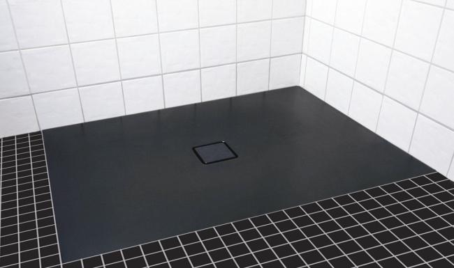 Jak łatwo i szybko zamontować powierzchnię prysznicową?