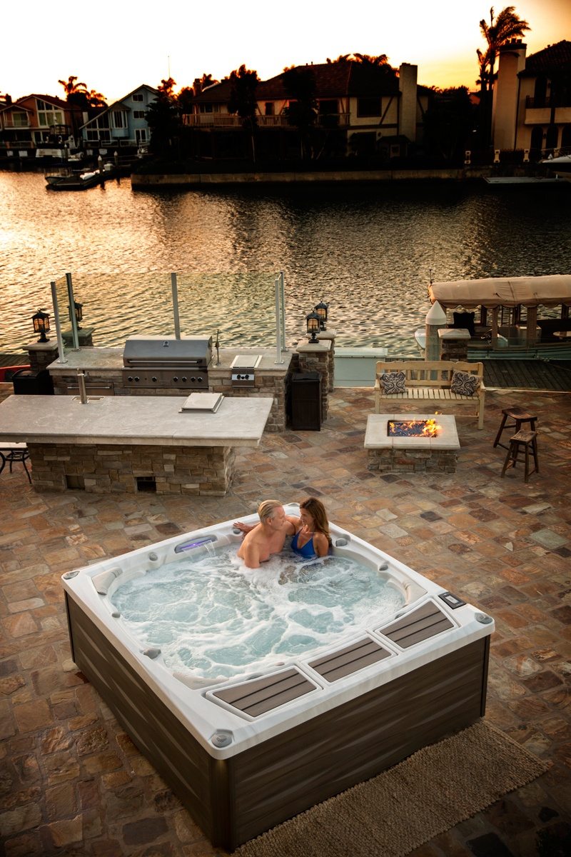 Minibaseny Sundance Spas – domowa strefa relaksu