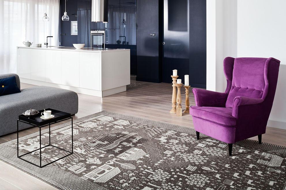 Motywy podlaskie – tkanina dwuosnowowa na dywanie