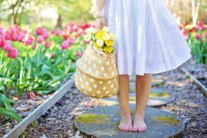 meble ogrodowe, wiosna, dziecko wogrodzie