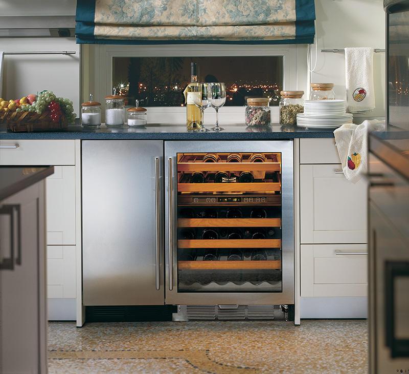 Sub - Zero - szafy klimatyzacyjne do wina