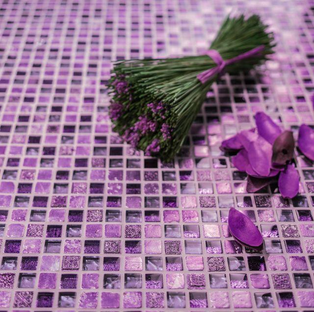 Ultra Violet – jak połączyć go z fugą i płytkami ceramicznymi?