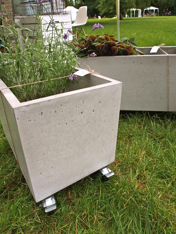 W ogrodach z betonu…